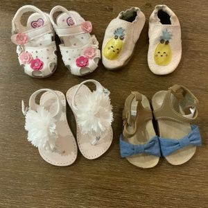 4 PAIRS SHOES FOR BABY/TODDLER INCLUDING ROBEEZ